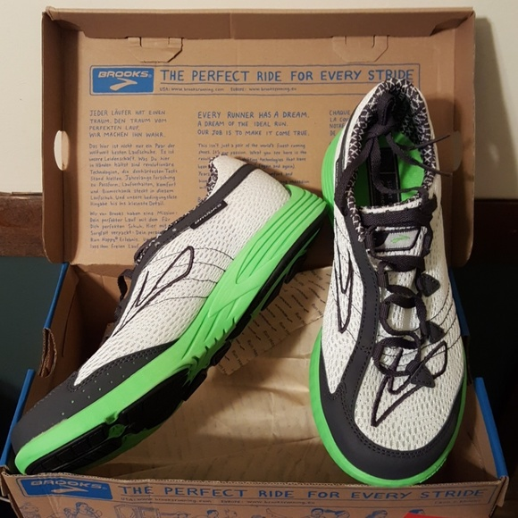286fa4ab8ad NIB Brooks Green Silence Running Tennis Shoes Sz 8