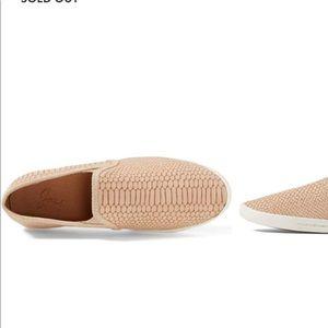 Joie kidmore sneaker size 7.5