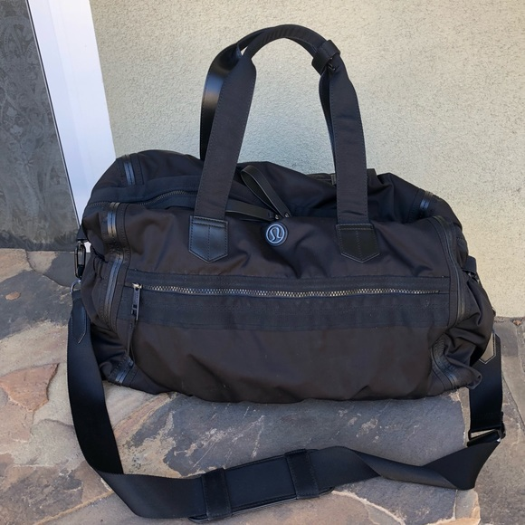 b129f534201 lululemon athletica Handbags - Lululemon large gym weekender duffle bag