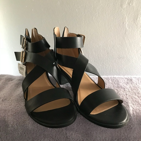 0ec782941cc American Eagle Black Chunky Heel Sandals 12