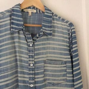 9c5a15a8275 Forever 21 Tops - 👀 Super Soft Striped Chambray Button Down Shirt