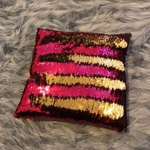 Sequin Changing Pillow