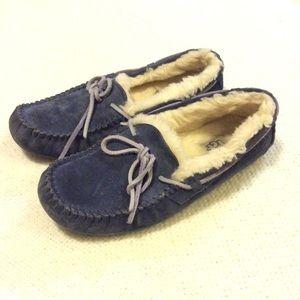🌺 UGG Slip-on Shoes 🌺