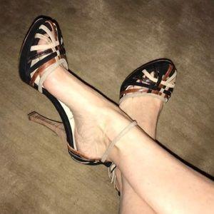 FENDI Leather Shoes 37.5 EUC Authentic!
