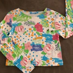 Tops - 🌸🌼Adorable n fun crop shirt 🌼🌸