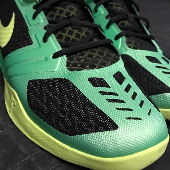 best sneakers 577ca b262f Nike Kobe zoom mentality - brand new no box. M 5a1ca68deaf03061690e40df
