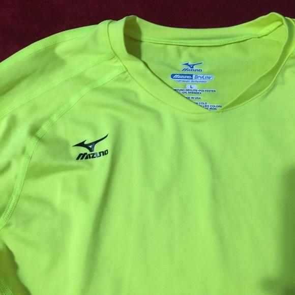 ce7a2fdae Neon/yellow mizuno dri fit. M_5a1caa46f09282c9730e37b0