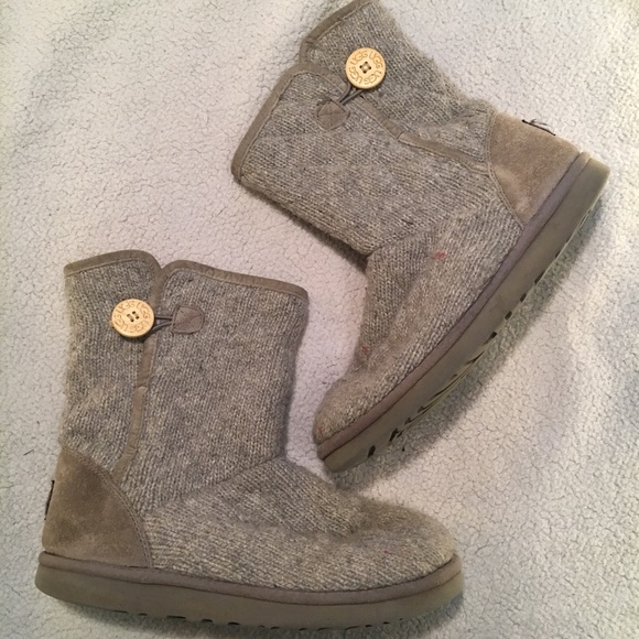 0a5254aa918 Ugg mountain quilted sweater grey boot size 10
