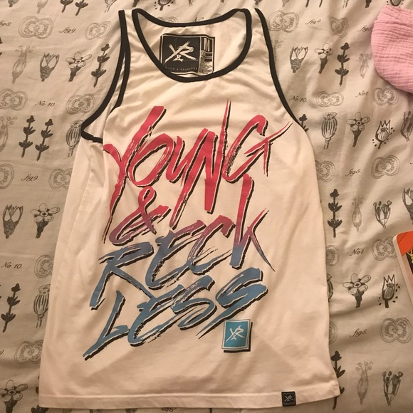 6eaa79dd16aa6 Young and Reckless tank top. M 5a1cb428f0137d92500e44cc