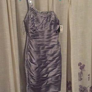 Formal Dress. Never worn, Adrianna Papell.