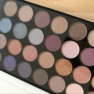 32 color eyeshadow palette 🎨