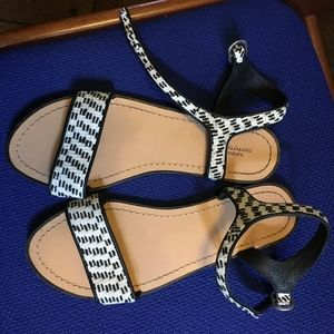 Black white fabric ankle strap sandals urbn 8