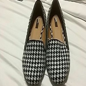 Hounstooth flat loafers