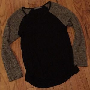 Fitted long sleeve