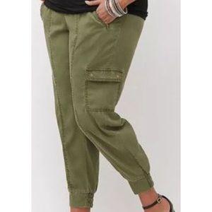 Lane Bryant elastic waist jogger pants zipper