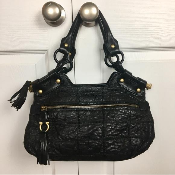 5a435e0b9dd2 Salvatore Ferragamo Quilted Black Shoulder Bag. M 5a1cc908bcd4a784cb0efd9c