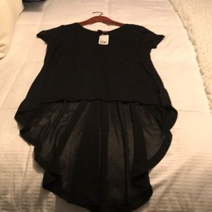 Forever 21 black high/low tee size small