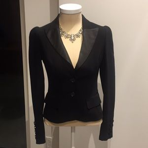 Black tailored DVF 2 button blazer with tail
