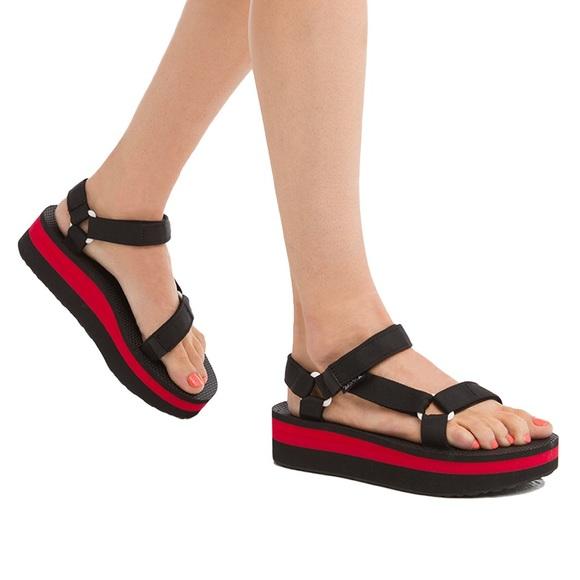 a9bb77c0fac Teva Flatform Universal Black Red Sandal
