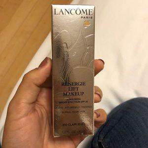 New Lancôme reenergie lift makeup, color 310 C30