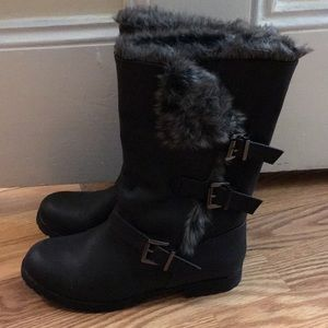 Shoes - Grey black boots