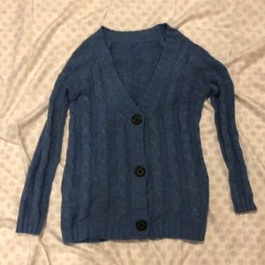 Sweaters - Blue cable knit cardi!