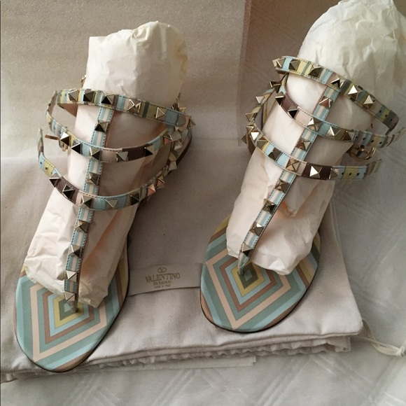 Pre Owned Valentino Rockstud Sandals