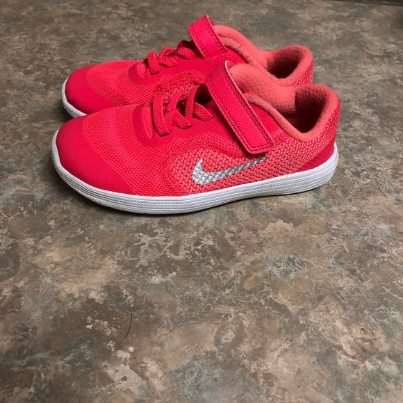 **SOLD** nike toddler girl shoes