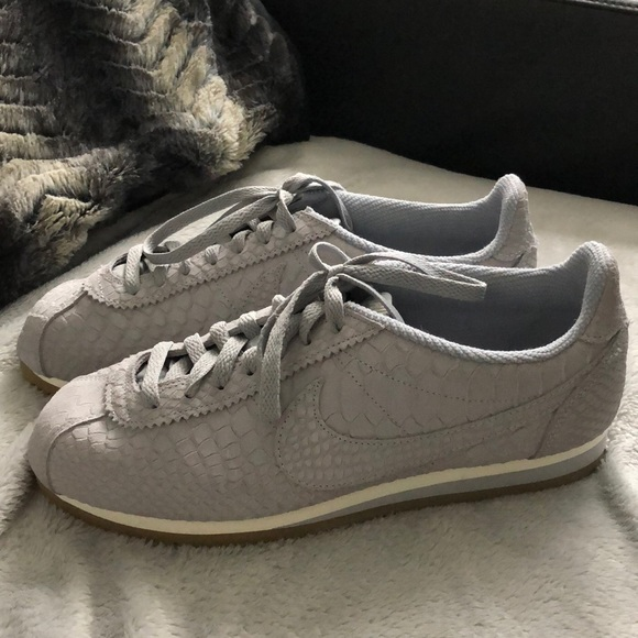 Nike Cortez suede scale sneakers. M 5a1cf7ff13302a7775101e4b bc0a4af69