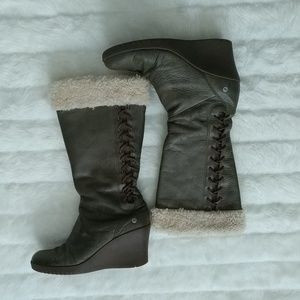 UGG Wedged Boots Sz 9