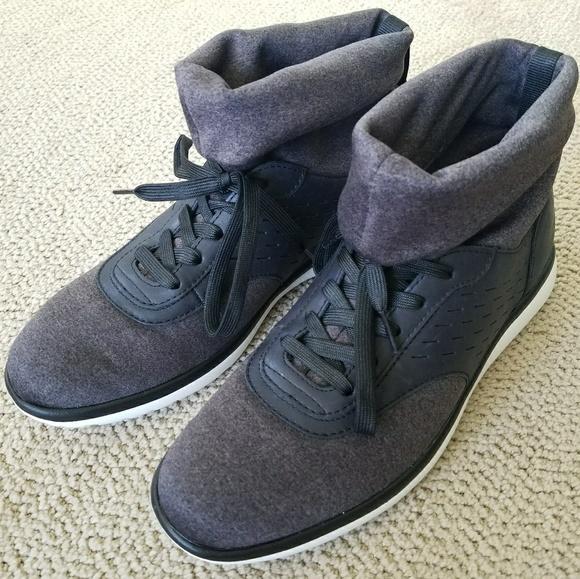 e8ae1b5cf5a UGG Islay Sneaker (Women's) NWT