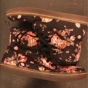 Dr. Martens Floral Shoreditch Canvas Boots