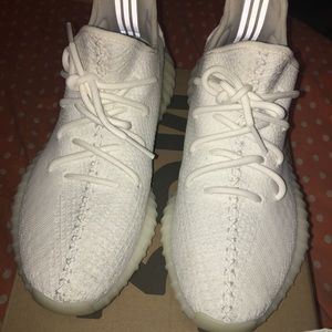 Yeezy Shoes - Yeezy boost 350 v2 cream white 91984aeaf6