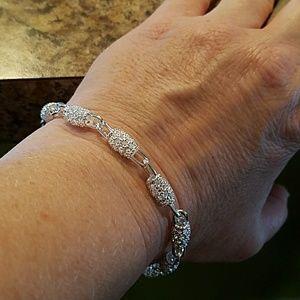 Jewelry - UNIQUE LINK SILVER BRACELET