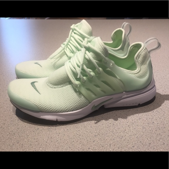 Nike Air Presto, women's size 8