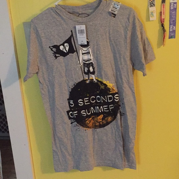 Hot Topic Shirts 5sos T Shirt Poshmark