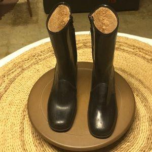 Shoes - Vintage rain boots