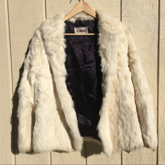 cbb9fdc85bfbd Ilana Jackets   Blazers - Vintage off-white fur coat
