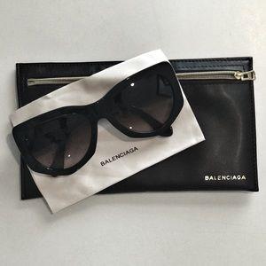 Balenciaga Black Sunglasses Gradient lenses