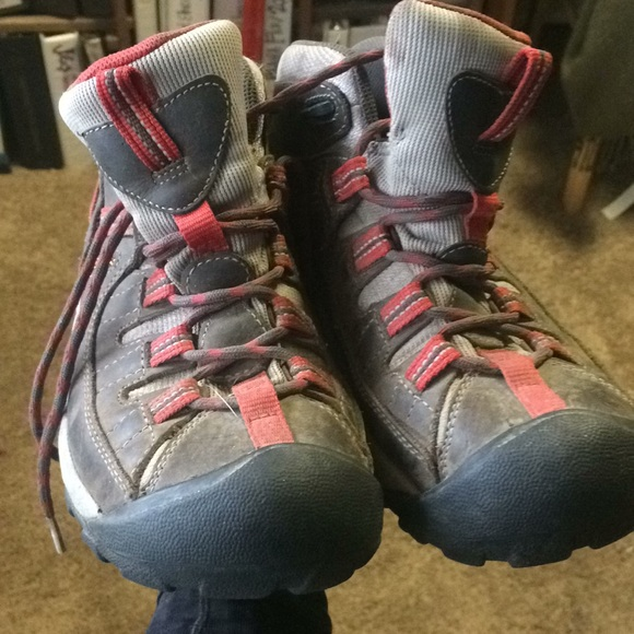 2089d2dd7ab Keen Shoes | Lightly Used Hiking Boots Size 7 | Poshmark