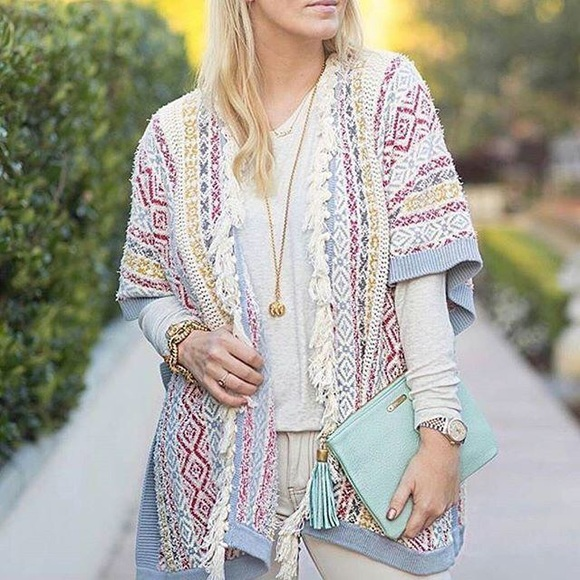 71% off CAbi Sweaters - 🆕 CAbi Siesta Poncho Sweater from Re.find ...