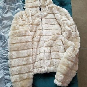 Jackets & Blazers - Ivory/white faux fur zipper hoodie