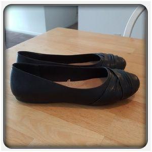 Woman's Black Flats Sz 10W