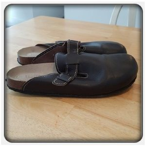 Woman's Brown Mules Size 10M