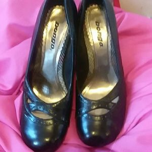 Adorable black Bongo heels