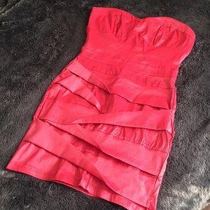 Dresses & Skirts - LOWEST❗️Strapless Mini Dress Size L