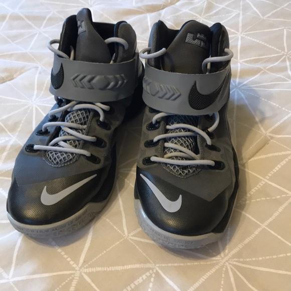 finest selection 6804b 7775e Nike Lebron Soldier 8 Kids 7 Black/Grey