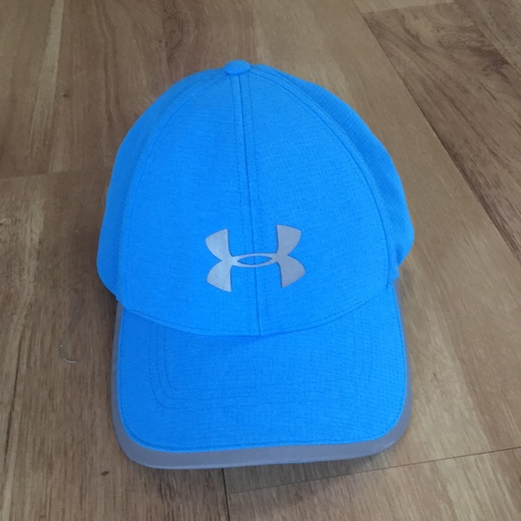 los angeles c6e40 2ecb1 Blue Under Armour reflective hat.