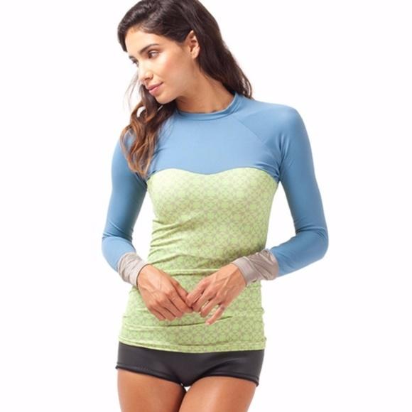 43d787975ee07 Seea Hermosa Tiles L/S Swim Shirt - Medium. M_5a1db9bffbf6f98dde1209e6