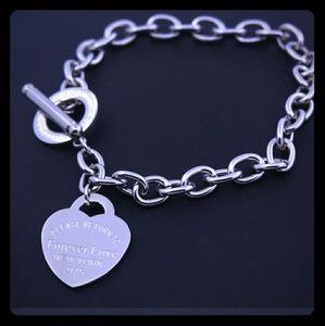 "Jewelry - 💜 Forever Love Charm Bracelet (7.5"")"